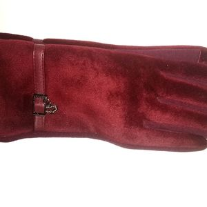 🆕Red women's sml glove 2 for 15